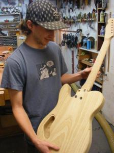 Jesse brown, Luthier